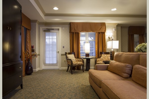 Sunrise Assisted Living of Bloomfield Hills 63329_SunriseofBloomfieldHills_BloomfieldHills_MI_Sitting3