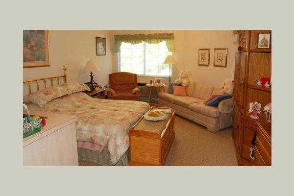 Emeritus at Gainesville S_171518_Bedroom_5