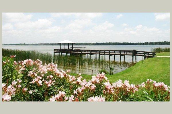Lake Seminole Square 59450