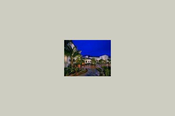 Maravilla Senior Living Community 17843
