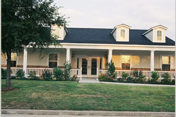 AutumnGrove Cottage in Copperfield 77464