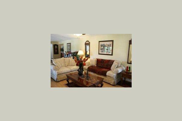 Hilltop Country Estate 38120