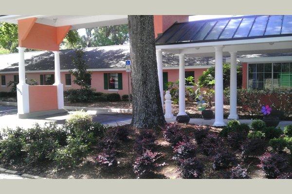 Hampton Manor Belleview 76727