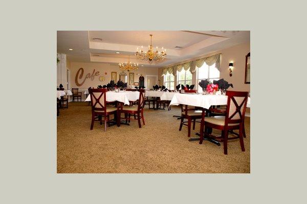 The Pointe At Cedar Park dining2