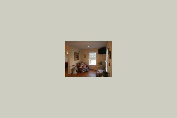 Sunshine House at Brookeville 78155
