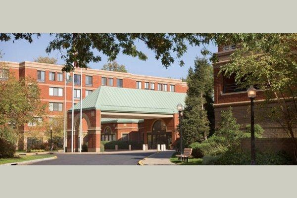 Five Star Premier Residences of Teaneck thumb_18