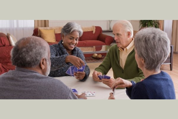 Meadowmere Oak Creek Senior Living Community thumb_activities-05-playing-cards