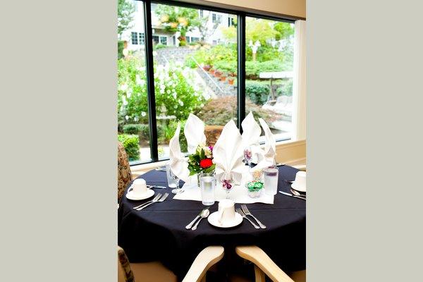 Courtyard Village at Raleigh Hills 20110914_rh_courtyard_village_0083