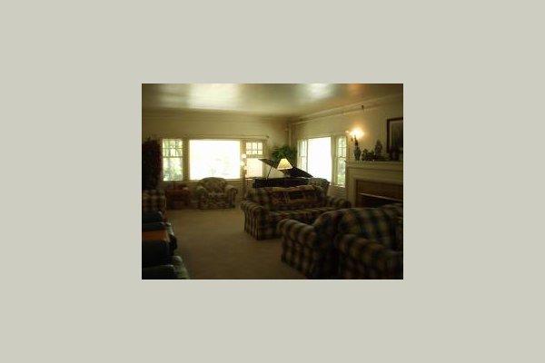 Ivy Ridge Retirement Home