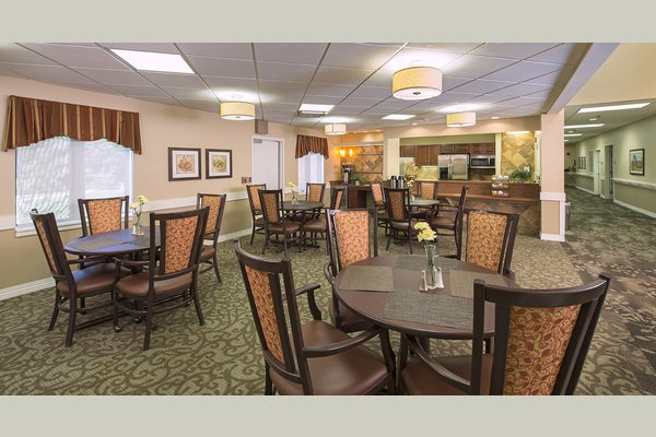 Short term rehabilitation patients in our Post-Acute to Home program enjoy meals in a private dining room.