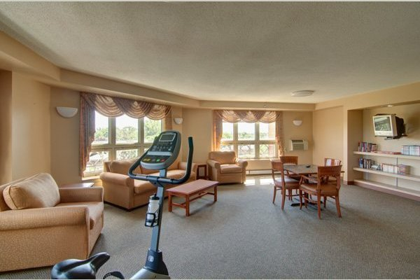 Senior Suites of Marquette Village 133862