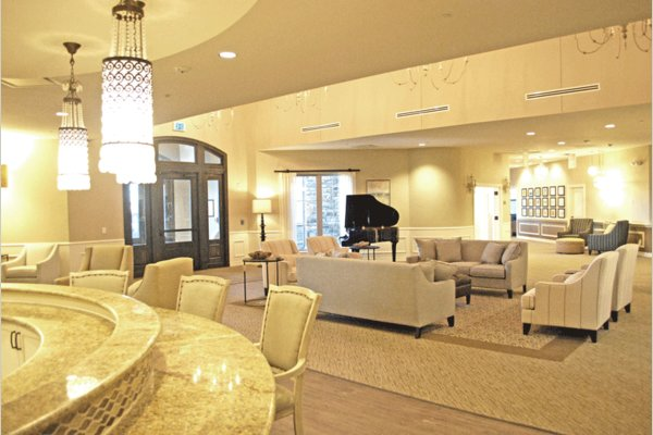 Our front living room is perfect for family night, music therapy and events! Stop by sometime and you may be able to enjoy our accomplished jazz pianist keying on the grand piano. Who would ever believe this is a secured memory community?