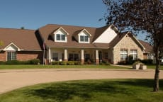 Strange 50 Assisted Living Facilities Near Iowa City Ia A Place Home Interior And Landscaping Ponolsignezvosmurscom