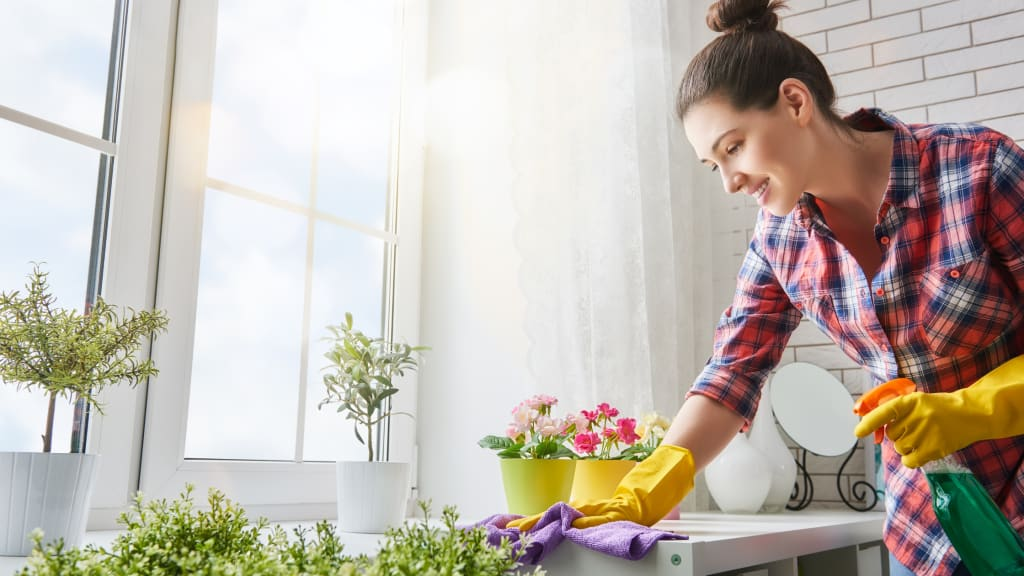 hire house cleaning services to help winterize a vacation home