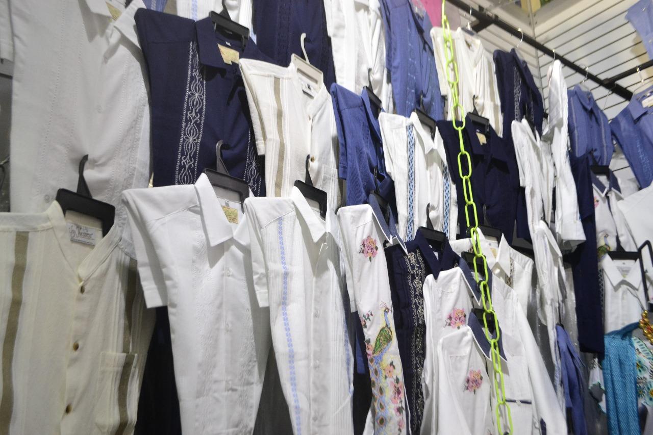 3a802c4ffb Empresarios textiles reportaron importantes ingresos por ventas en la  Semana de Yucatán en México 2018.