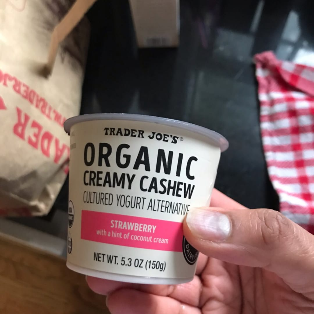 photo of Trader Joe's Organic Creamy Cashew Cultured Yogurt Alternative Strawberry shared by @mgurunathan on  26 Dec 2019 - review