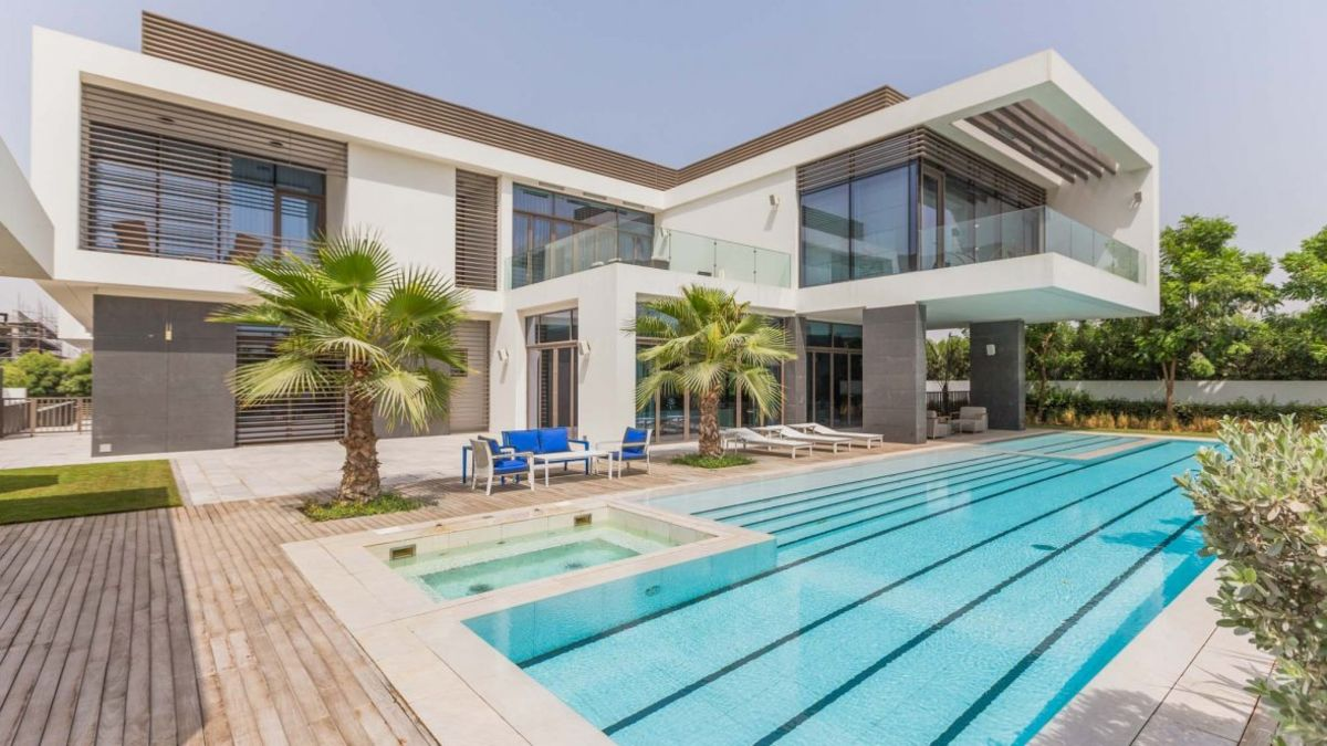 Looking to buy a luxury villa in Dubai District one