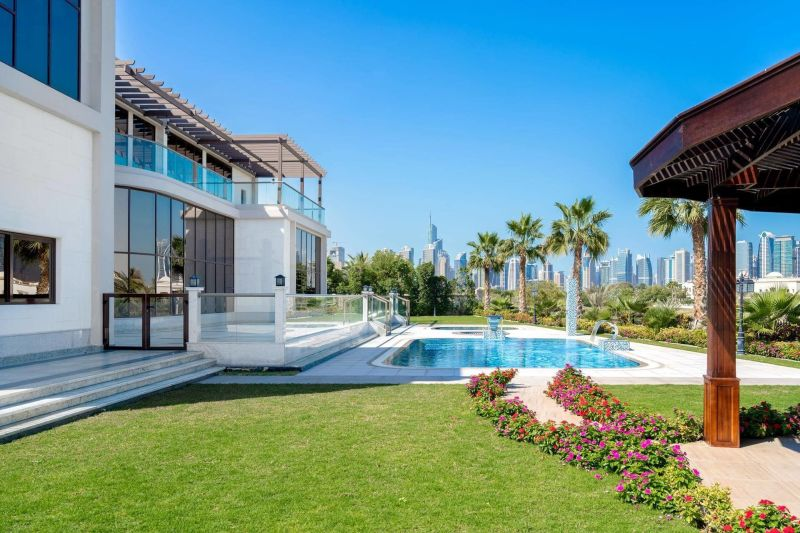 What Luxury property should I buy in District One Dubai?