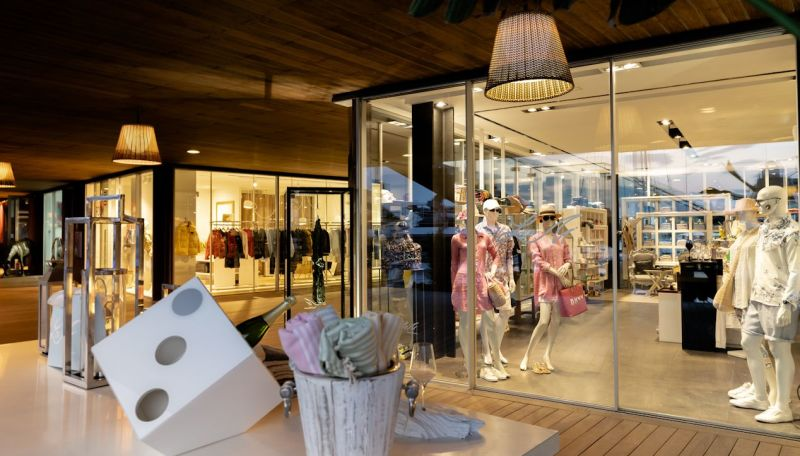 Port Adriano boutiques