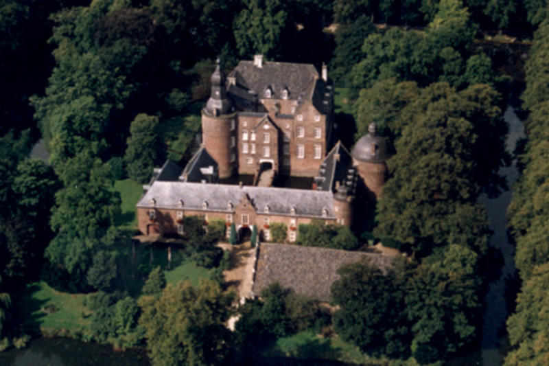 Study Abroad Reviews For Emerson College Kasteel Well
