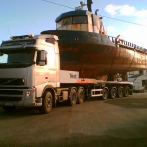 Transport av stor båt