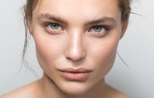 Illus: 10 tips til å ta vare på huden gjennom sommeren.