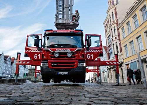 Illus: Bergen brannvesen med Streaming fra Bronto lift