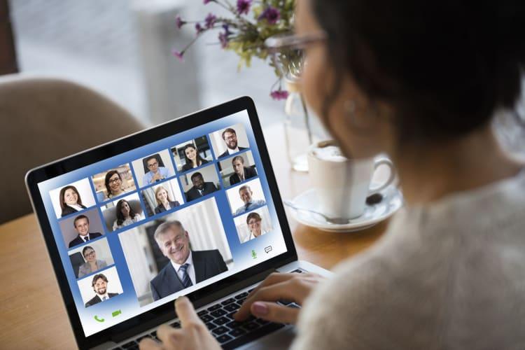 Med sikker videoforbindelse, forbedres kommunikasjonen mellom medarbeidere og ledelse.