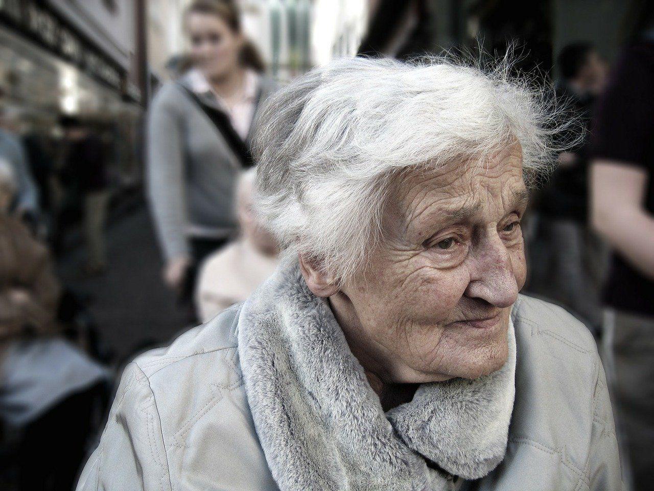 woman-old_cn202010.jpg