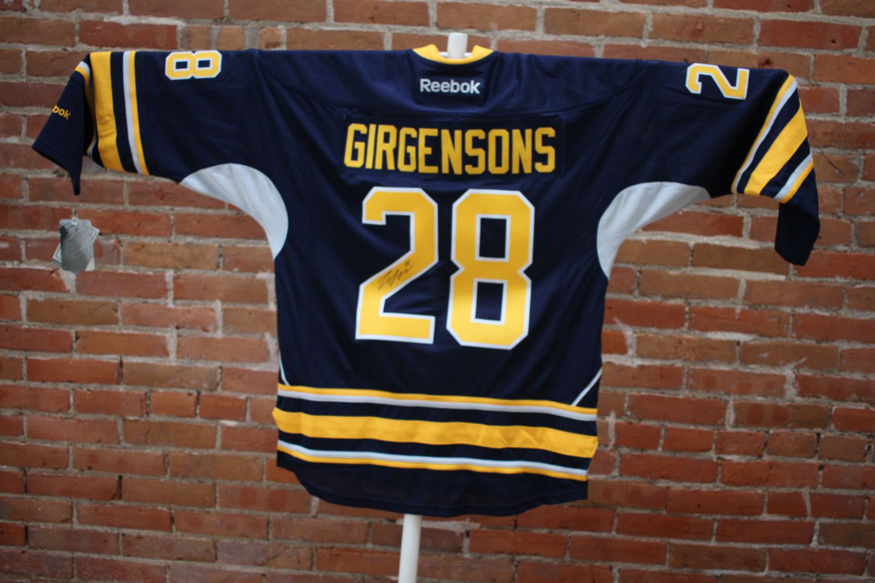 purchase cheap 1f7f7 54dee Auction Page   Zemgus Girgensons NHL Buffalo Sabres ...