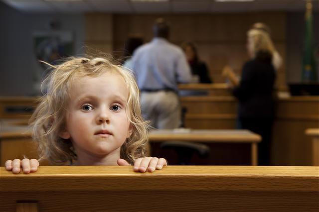 detective-for-child's-custody