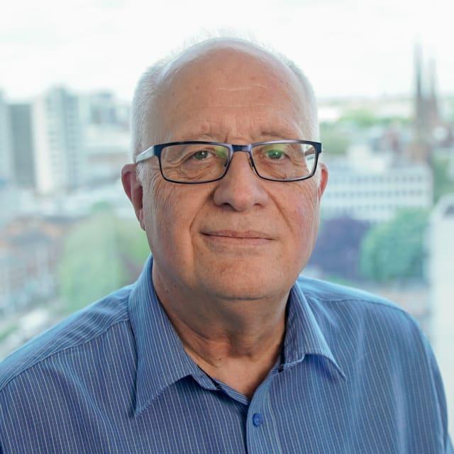 Head shot of Terry Waller
