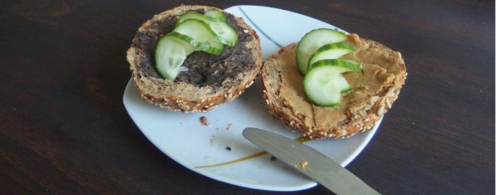 Leckere vegane Brotaufstriche aus Resten