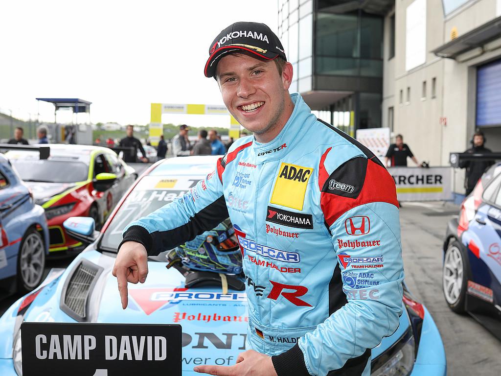 News aus der ADAC Stiftung Sport: Marius Zug feiert Premierensieg in der neuen ADAC GT4 Germany