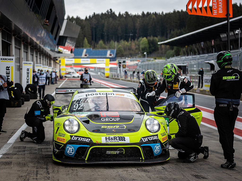 SSR Performance: Vom Newcomer zum Doppelchampion: Der Münchner Rennstall SSR Performance holte in seinem ersten Jahr im ADAC GT Masters beide Titel