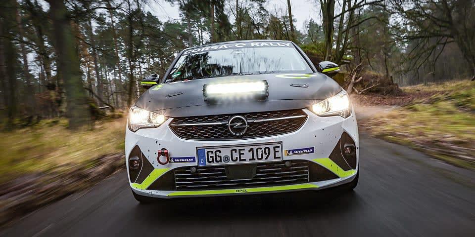 Der Fahrplan für den ADAC Opel e-Rally Cup steht: Weltpremiere: Erster elektrischer Rallye-Markenpokal der Welt startet im Mai 2021