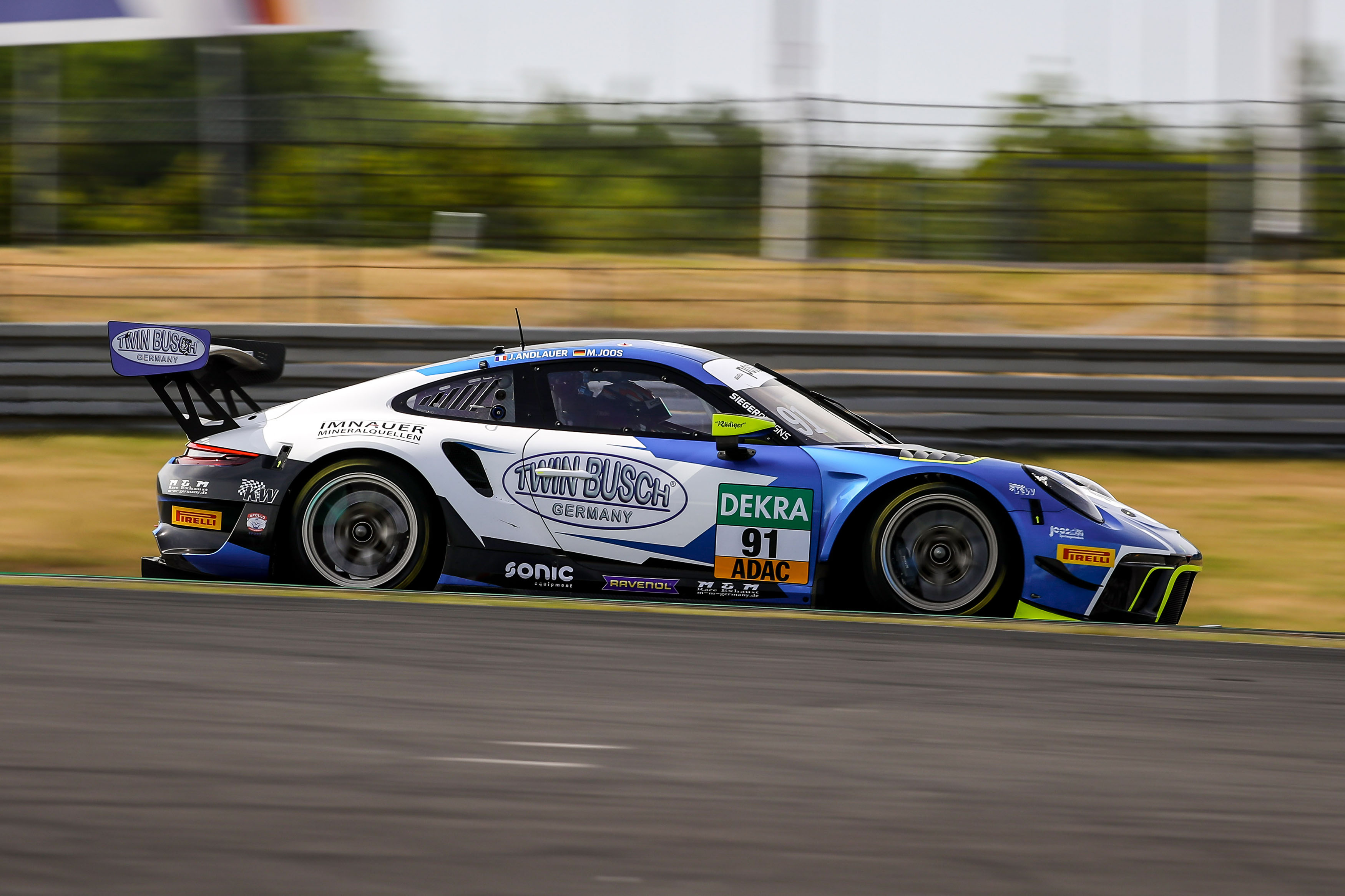 Twin Busch Germany and the ADAC GT Masters extend partnership