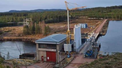 Arbete som pågår vid Forshuvuds vattenkraftverk i Dalälven.