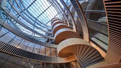 Interiör på K11 med dess spiraltrappa.