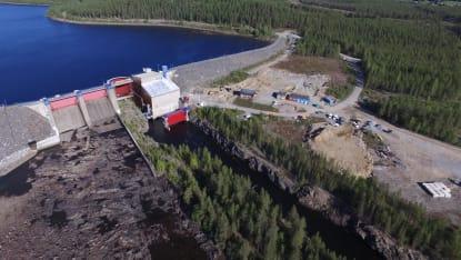 Flygbild över Rengård vattenkraftverk i Skellefteå. Foto: Mattias Holmgren, NCC.