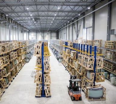 Bild på ett stort lager i Brunna.