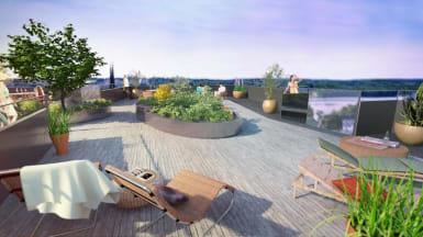 Illustration på en terass med trädäck, solstolar och växter utspridda.