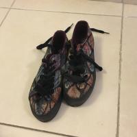 Zapatillas con plataforma estampadas
