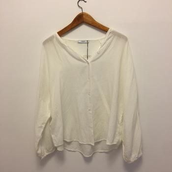 Preciosa Camisa blanca