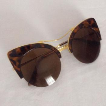 ac04a995f7 Compra online Complementos Gafas de Mujer en tu tienda de segunda ...