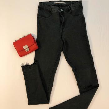 Pantalón vaquero negro