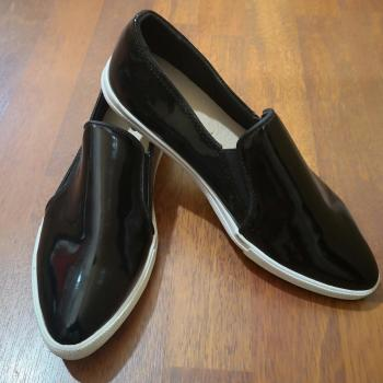 Zapato charol punta