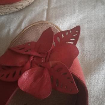 Sandalias cuñas piel rojas