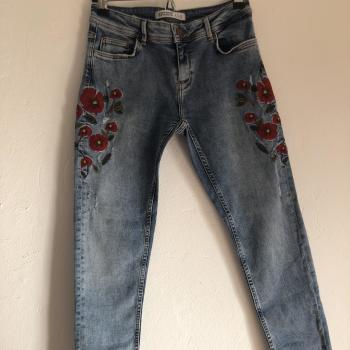 jeans flores