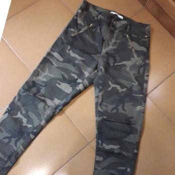 Pantalon pitillo militar